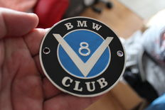 BMW V8 CLUB CHROME Grill badge