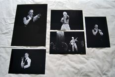 David Bowie, big photo, 1976 30 x 40 cm + a set of 4 live photos 1976 - 1983 20 x 30 cm