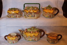 Lingard Webster & Co - Ann Hathaway's Cottage Tea Set, Teapot plus 5 Matched Pieces