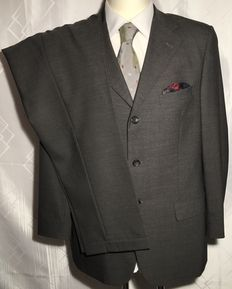 Gucci – Suit