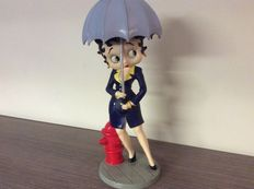 Betty Boop - King Features Syndicate - USA - 2008 - with her umbrella - 31 cm tall