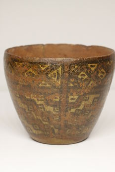 A pre-Columbian polychromed bowl in earthenware – height: 10.2 cm