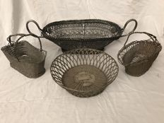 Lot of hand-woven wire objects