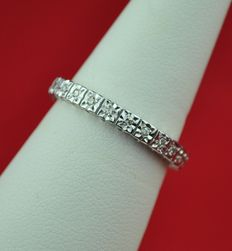 24 Diamond (total 0.25ct)  set on 18k White Gold Full-Setting Alliance Ring/Band - 55 (EU) Size.