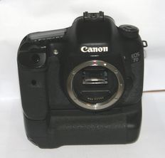 Canon EOS 7D with Battery Grip BG-E7
