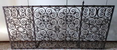Wrought iron fire guard - Italy - 19th century
