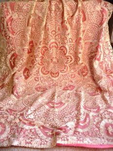 Exceptionally exquisite Florentine lace tablecloth on tulle, ca 1930/1950