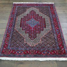 Good as new Senneh Persian rug - 150 x 120 cm - with certificate