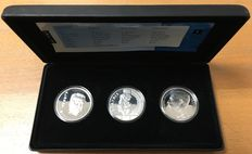 "Belgium, the Netherlands and Luxembourg – Coin set ""50 years of Benelux"", with 2 x 250 francs and a 10 guilder coin, 1994 – silver"