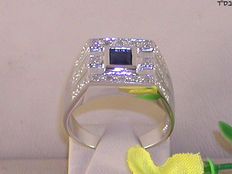18 kt gold men;s pinky ring set with 0.45 ct diamond and sapphire – size 60