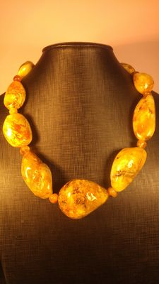 Yellow butterscotch colour genuine Baltic amber necklace, 169 grams
