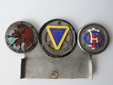 Batch of automobile club insignias - club du Sénégal, les  4 chevaux, Club Touring de France - 1950/1960