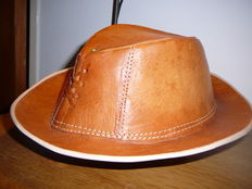 Cowboy hat in genuine leather - 1990 USA.