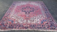 Beautiful, old Persian Heriz carpet – Iran – 230 x 300 cm, around 1930