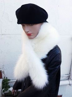 Fur scarf in Arctic fox fur (New/Made in Italy)