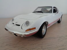 Minichamps - Scale 1/18 - Opel GT 1970 - White