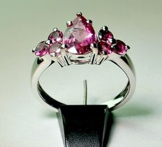 14 karat white gold ring with 1.71 ct pink tourmaline, size 17.25 (54)