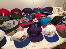 100! x Cartoon caps - USA - Looney Tunes, Snoopy, Disney, Simpsons, Animaniacs, Cartoon Network
