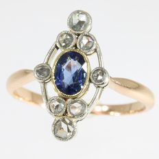 Art Deco diamond and sapphire gold engagement ring, anno 1920