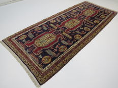 Dreamily beautiful Persian carpet Ardebil/Iran cm 285x120 2. half of the 20th century. In good condition, Caucasian pattern.