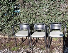 Lot of six vintage chairs