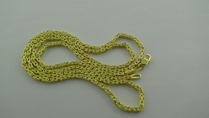 14 kt Yellow gold king's braid link necklace, length 49.5 cm.