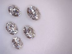 Lot of 5 brilliant-cut diamonds in total 1.02 ct, G (bright white) VS (high clarity).