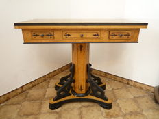 Maple wood and inlaid ebonized wood game table - Charles X style - Italy, ca. 1900