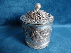 Export silver box with lid (Below legal silver grade) – China – early 20th century