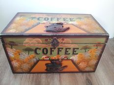 Old wooden Coffee box with 3d images - 2nd part 20th century