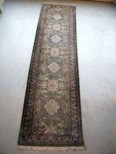 Hand-knotted wool carpet (runner) 310 x 77 cm, Pakistan, second half 20th century