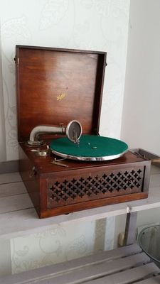 Pathé portable gramophone from the beginning of the 20th century