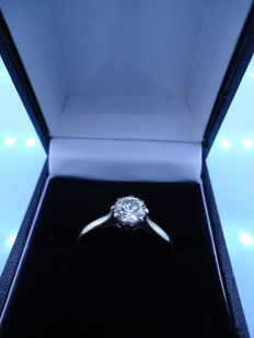 18 kt gold ring with a solitaire diamond of 0.55 ct - Stunning Sparkle Ring