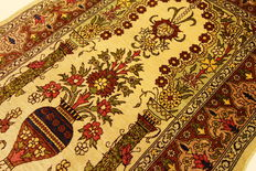 Genuine Hereke silk carpet, Turkey, 0.72 x 0.42 signature, hand-knotted carpet, 100% silk, signature