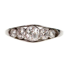 Old European Cut Diamonds in Platinum.Design era: Art Deco (1915-1935)