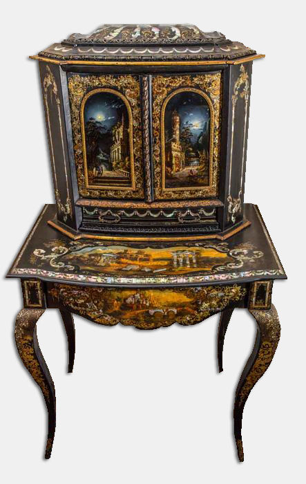 A Victorian bonheur du jour, gilt and with mother-of-pearl, inlaid with japanned papier-mâché - in the manner of Jennens and Bettridge - England - circa 1850