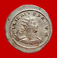 Roman Empire -  Gallienus (253-268) silver antoninianus ( 3,54 g. 23 mm) Antioch mint, 260-267 A.D. AEQVITAS AVG. High quality.