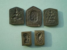 Lot of brass metal jewellery molds seal stamps hindu culture - India - ca. 1900