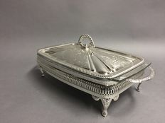 Glass presenting dish in silver plated mounting on twisted feet, England, mid 20th century