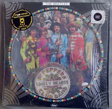 "The Beatles: Picture Disc Sgt Peppers Club Band + Livret ""Magical Mystery Tour"""