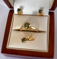 Green Diamond Set of Pendant, Stud Earrings and Ring in 14K Solid Yellow Gold, total 2.06 ct. ***No Reserve Price***
