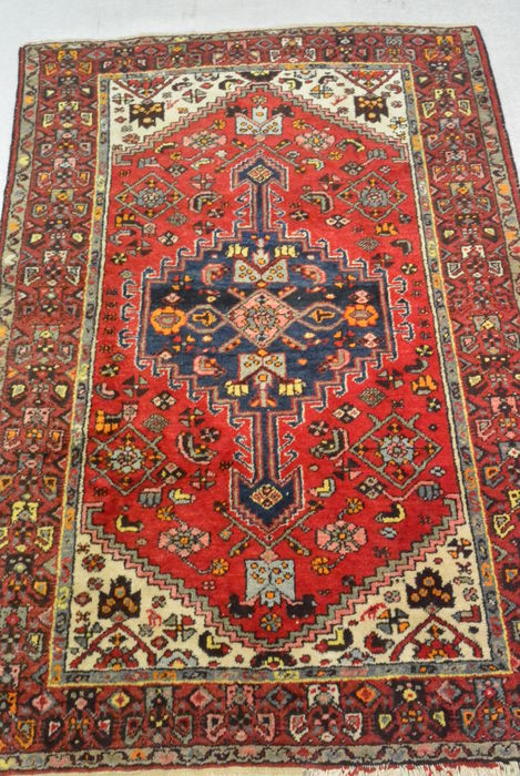 Very beautiful half antique Persian carpet 185 x 130cm. Beginning of the 20th century
