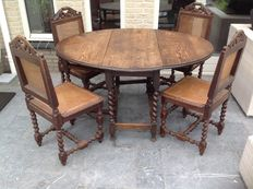 Oak Gateleg table with four chairs in neo-Renaissance style, Flanders, circa 1900