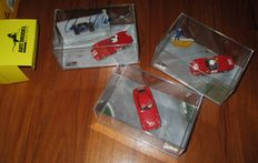 ART Model Dioramas Series - Scale 1/43 - Lot with 3 models: Ferrari 166MM Coupè 1951, Ferrari Dino 246SP 1962 & Ferrari 500TR Munaron 1957