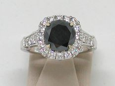Diamond women's engagement ring, in total: 3.85 ct.