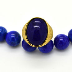 Hand-made 18 kt gold ring with lapis lazuli – size 15