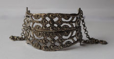 Antique silver bracelet consisting of 2 assembled antique 19th century silver buckles