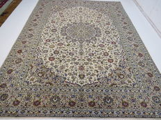 Wonderful Persian carpet, Kashan / Iran, 400 x 295 cm, end of the 20th century Very good condition - excellent quality
