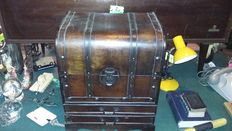 Wooden trunk with 2 drawers cm 47x41