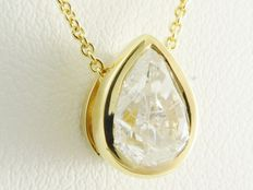 Yellow gold pendant with pear cut diamond of 1.00  ct including necklace